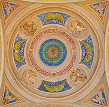 Coupole latérale de l'église Saint-Pierre - Bologne - quatre évangélistes