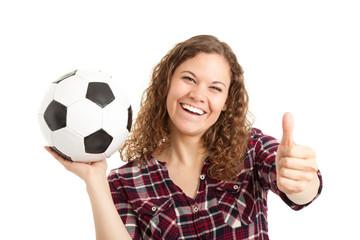 Weiblicher Fussballfan hält Daumen hoch