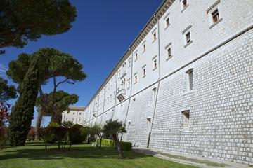 Facciata esterna abbazia di Montecassino.