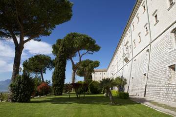 Giardino esterno abbazia di Montecassino.