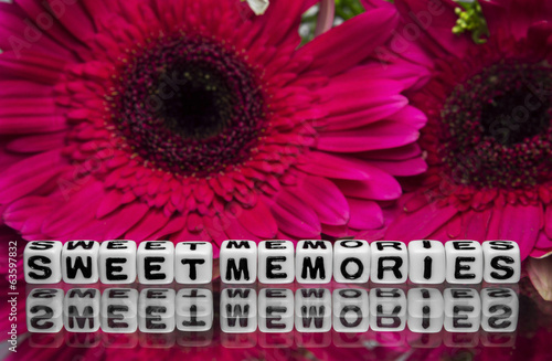 Sweet memories message with flowers