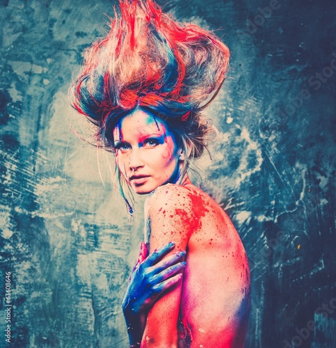 Young woman muse with creative body art and hairdo - 63608646