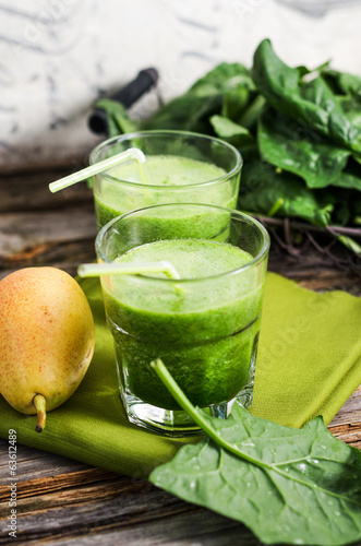 Birnen-Spinat-Smoothie