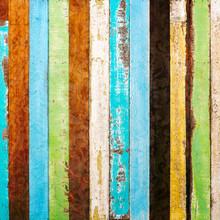 Cru planche de bois brut