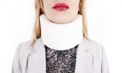 Supporting collar on a neck