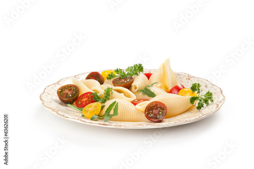 shell pasta vith vegetables