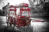 Fotoroleta Czerwony retro samochód na tle wieży Eiffla