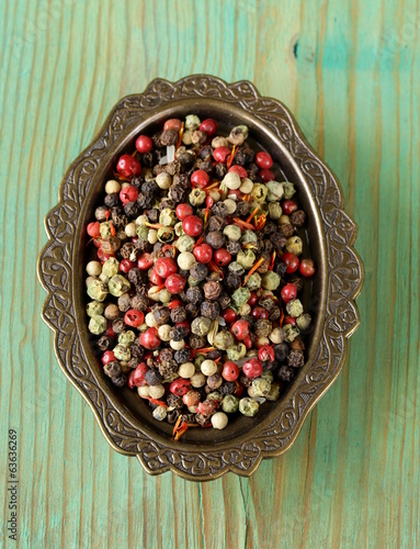 assorted red, black and and white spice pepper