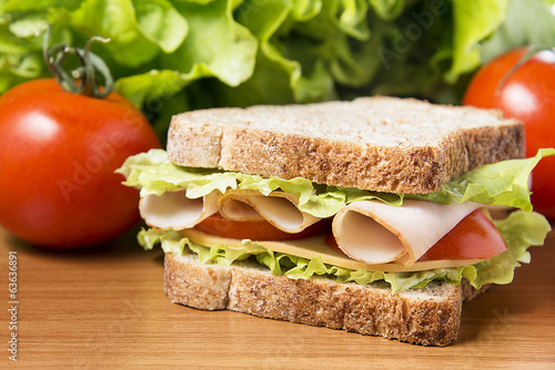 Tuinposter Picknick chicken breast sandwich