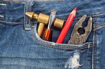 Tools auf eine Hosentasche
