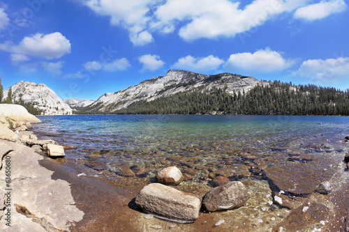The Lake Tioga in the Yosemite Park