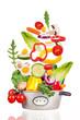 frisches Gemüse im rustikalen Topf