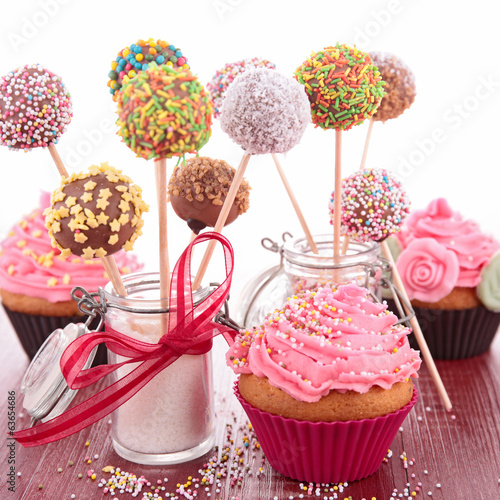 canvas print picture cake pop and cupcake
