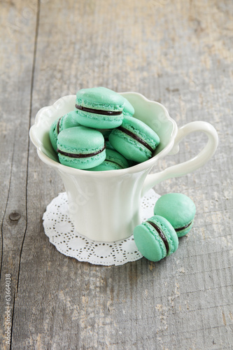 macaroon with chocolate filling.