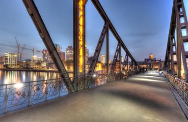 Eisernersteg and City Lights
