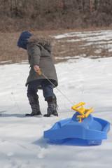 Slittino sulla neve giochi invernali