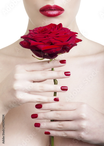 Beauty con rosa rossa