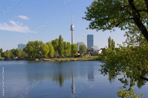 Foto op Plexiglas Wenen Blick zur Donauinsel - Wien