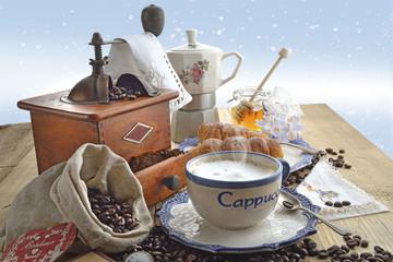 cappuccinocaffè colazione fondo azzurro