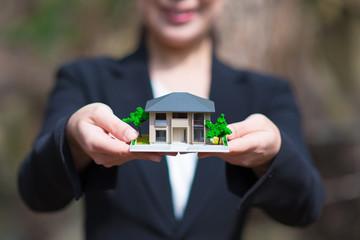 自然と家のイメージ
