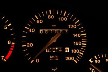 tachometer auto fahren