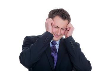 Geschäftsmann hat starke Kopfschmerzen
