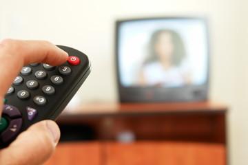 fernbedienung fernseher umschaltet