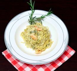 pasta con asparagi e gamberetti