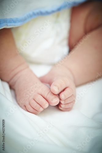 Feet of newborn