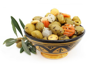 Olives, lupin, carottes aux herbes