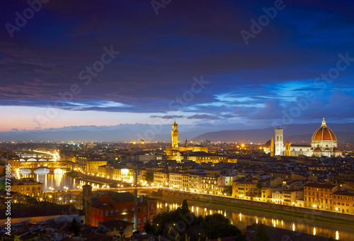 Night view to Palazzo Vecchio and Cathedral of Santa Maria del F