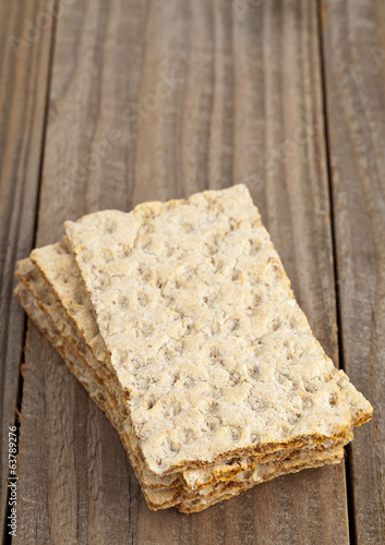 Wheat crispbread slices