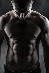 Körper von durchtrainierten Mann