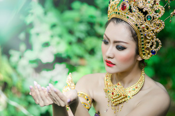 Thai women in national costume13