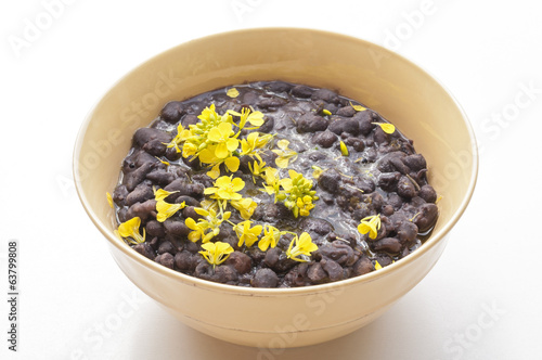 Bowl of beans with flowers