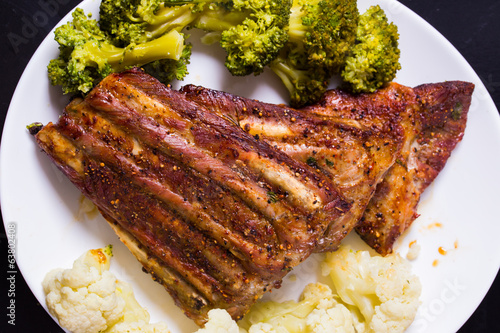 Grilled ribs porkmeat with cauliflower and broccoli