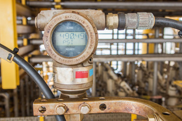 pressure gauge in oil and gas industry