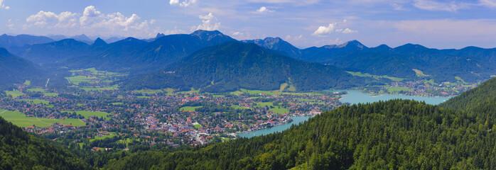 Panorama Landschaft mit Tegernsee und Rottach-Egern