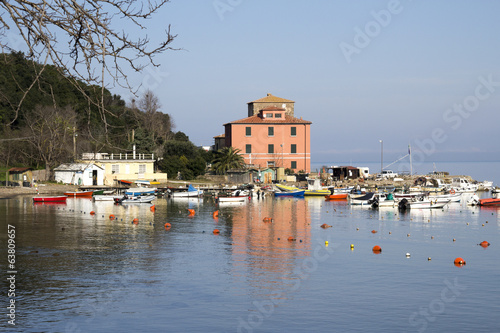 Baratti bay  , small tourist harbor - Tuscany