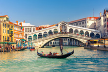 """Постер, картина, фотообои """"Rialto Bridge in Venice"""""""