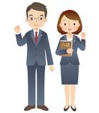 スーツを着た男性と女性/弁護士