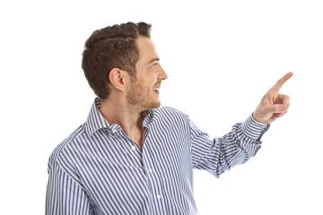 Frau zeigt mit dem Zeigefinger zum Text - freigestellt.