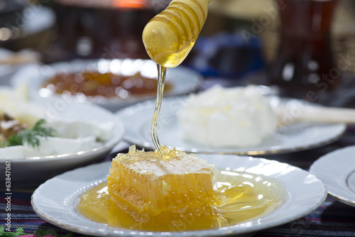 Honey Dripping
