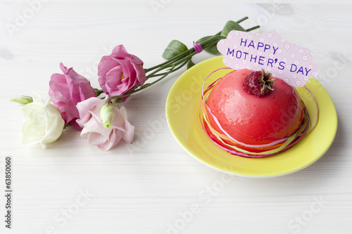Flowers and cake for Mothers Day ( Mother's Day)