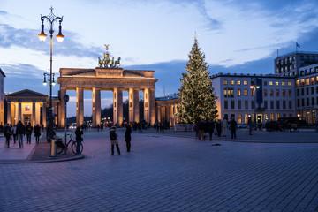 brandenburger tor weihnachtsstimmung