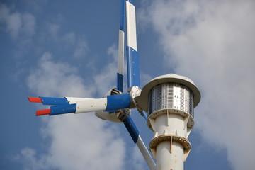 Aerogenerador, molino eolico con dos helices