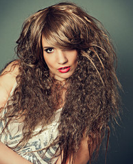 fashion 02_2-girl with crazy curly haircut