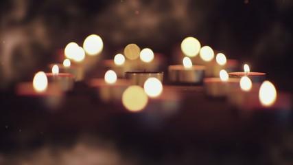 Потухшая свеча на тёмном фоне