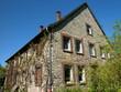 Altes Bauernhaus im Grünen mit Bruchsteinfassade in Helpup