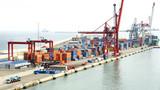 Grúas en un  muelle del puerto de Barcelona - 63901014